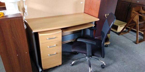 机と椅子 沖縄 リサイクルショップ アールファクトリー