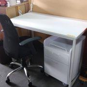 机と引き出し 沖縄 リサイクルショップ アールファクトリー